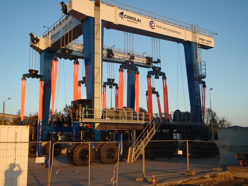 Concarneau new 400 ton travel hoist