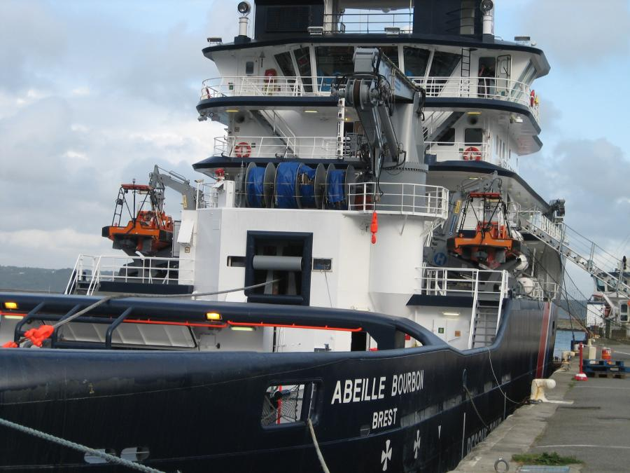 Brest - 3200 ton Abeille Bourbon  tug - 21740HP - tractive force 200 tons